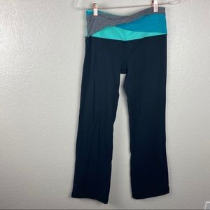 Lululemon Black bootcut leggings/pants twist front